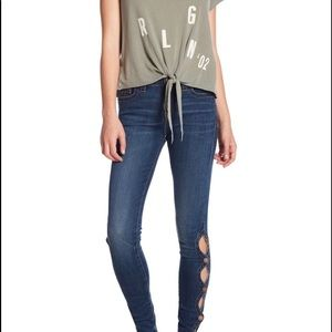 NWT True Religion Mid Rise Super Skinny